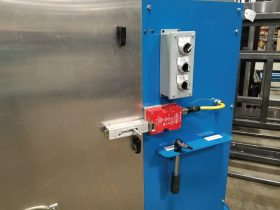 Extrusion Saw with Safety Switch